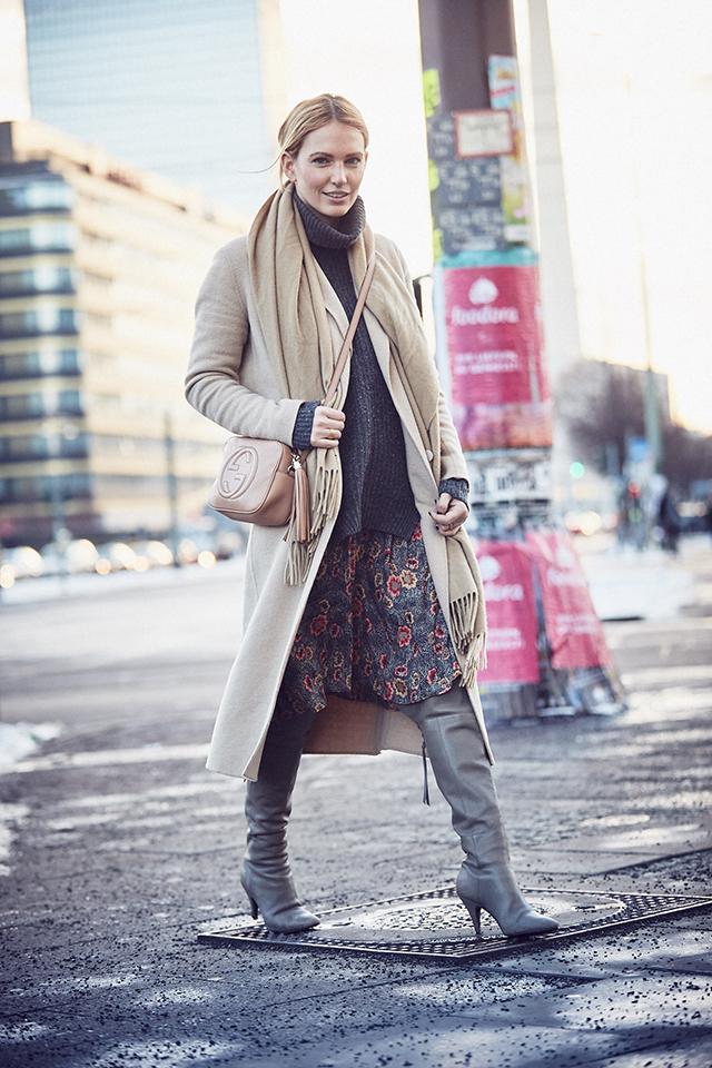 anne_kathrin_strauß_berlin_soho_house_les_attitudes_camel_coat 6
