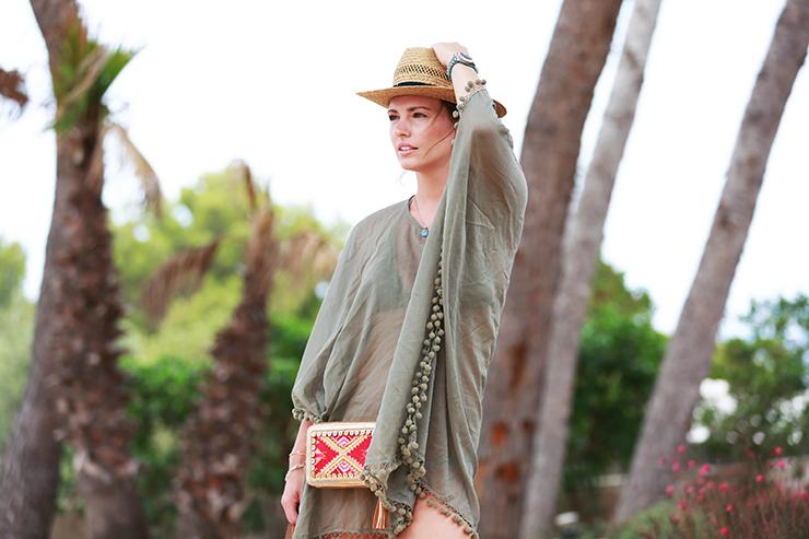 shwetha-ibiza-bag-ootd-les-attitudes-beach2